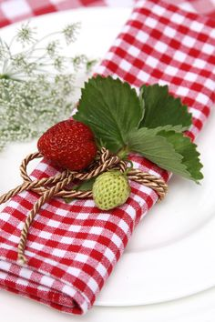 table setting - gingham napkin with strawberries & cord tie