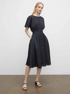 Printed Wrap Dress Club Monaco, Dress Remove, Best Club, Woman Back, Draped Fabric, Jumpsuit Dress, Swing Dress, Stylish Outfits, Dress Outfits