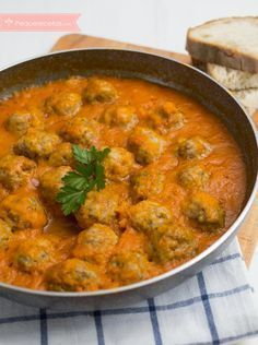 Albóndigas en salsa, ¡la mejor receta! , Albóndigas en salsa, receta paso a paso con vídeo. Trucos para hacer albóndigas en salsa. Diferentes recetas de albóndigas en salsa.