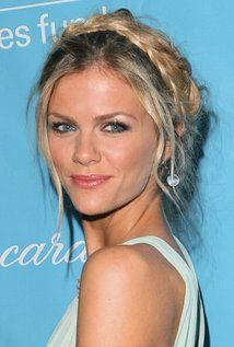 "Brooklyn Decker Born: Brooklyn Danielle Decker April 12, 1987 in Kettering, Ohio, USA Height: 5' 9"" (1.75 m)"