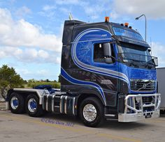 HHA Cabover Volvo 'Dangerous Liaison' by Christopher Dern, via Flickr