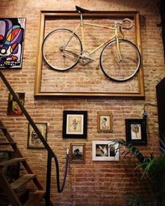 This picture frame in which there is a bicycle is a great decoration, which you can use in the living room, in the hallway, or if you have a restaurant or coffee shop, there.