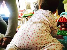 #CostantinoVitagliano Costantino Vitagliano: Noi gattoniamo  #ayla #amoremio #lamiafelicità #primipassi #iniziamo #mybaby #live #love #life #sweetmoments #casavitagliano #home #milan #costantino #siviveunavoltasola