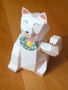 Maneki Neko - Lucky Cat - Papercraft and Stuff