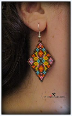 O Espírito das Artes – Schmuck mit Perlen: Brick Stitch Earrings Free Pattern - Schmuck Selber Machen Seed Bead Jewelry, Seed Bead Earrings, Diy Earrings, Hoop Earrings, Jewellery Earrings, Beaded Earrings Patterns, Jewelry Patterns, Beading Patterns, Handmade Beaded Jewelry