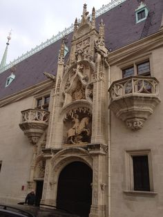 Façade - Palais Ducal de Lorraine in Nancy, France - is a palace in Nancy, France, which was home to the Dukes of Lorraine. It houses the Musée Lorraine, one of Nancy's principal museums, dedicated to the art, history and popular traditions of Lorraine until the early 20th century. Lorraine, Palace, Nancy France, Art History, Barcelona Cathedral, Castles, Louvre, Europe, Paris