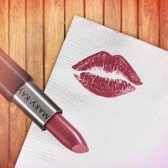 Um beijo diferente! :*