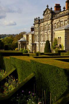 The Dahlia Walk at Biddulph Grange Garden, Staffordshire. Beautiful Castles, Beautiful Buildings, Beautiful Homes, English Manor, English Countryside, Architecture Design, Landscape Architecture, Biddulph Grange Gardens, English Castles