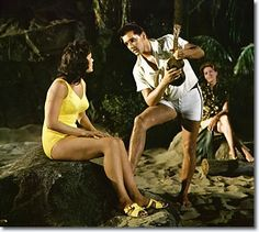 Joan Blackman and Elvis Presley in Blue Hawaii - 'Can't Help Falling In Love'