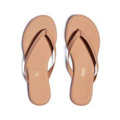 Leather Flip Flops Womens, Womens Flip Flops, Vegan Sandals, Summer Shoes, Cowhide Leather, Flip Flop Sandals, Vegan Leather, Boyfriend, Footwear