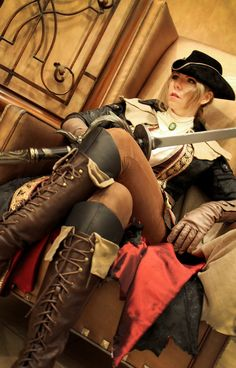 Cosplayer : icequeenserenity / Cosplay: Lady Maria from Bloodborne / Photo…