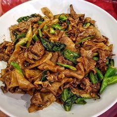 Can't go wrong with #Beef Pad See Ew! -- #StirFried #Noodles #PadSeeEw #ChineseBroccoli #Thai #Food #Foodie #Instafood #FoodPorn #Foodstagram #BangkokGarden #Hackensack #NewJersey #NJ #Restaurants #JerseyEats #Eeeeeats #FoodPics #FoodBlogger #FoodBlog #DesiredTastes