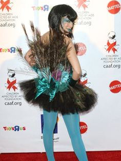 Check out this Tori Spelling Halloween costume.