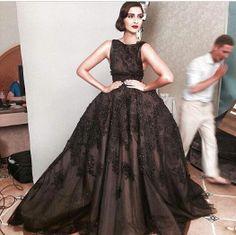 #CelebrityStyle - #SonamKapoor at #Cannes2014 on.fb.me/1sjtW8m #oomphelicious #bollywood #fashionista #fashionblogger