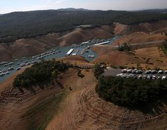 Bidwell Marina at Lake Oroville | 7 Powerful Photos Before And After The California Drought