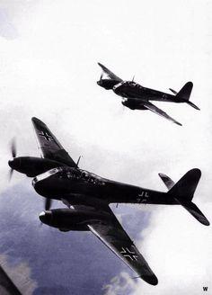 Пара Me 210A1 во время патрулирования.   1943 год.