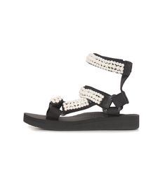 The Arizona Love Trekky Double Ankle Pearl Sandal is a handmade sandal with comfy EVA sole.  Runs small, order one size up. Thread : 100% polyester Sole : EVA - height 1,5cm/2,5cm Length of the sole 36/23,5cm - 37/24,5cm - 38/25cm - 39/25,5cm - 40/26,5cm - 41/27cm Arizona Love shoes do not come in boxes in order to reduce their ecological footprint on the environment. Pearl Sandals, Next Shoes, Footprint, Arizona, Environment, Boxes, Comfy, Ankle, Pearls