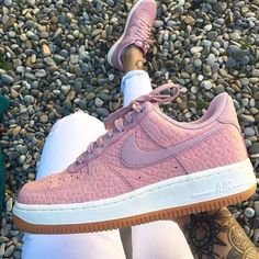 Sneakers women - Nike Air Force 1 premium pink (©celou)