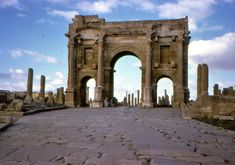 15 Best Places to Visit in Algeria - The Crazy Tourist Roman, Hidden Places, Travel Vlog, Largest Countries, Ancient Rome, Luxury Travel, Continents, Cool Places To Visit, The Good Place