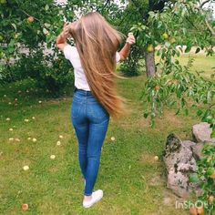 VIDEO on Instagram Long Hair Video, Instagram Summer, Very Long Hair, Amazing Hair, Layered Cuts, Female Images, Hair Videos, Summer Hairstyles, Haircolor