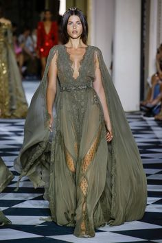4cff2bc7e1f Haute Couture Glamour  ZUHAIR MURAD July 16