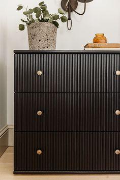 Diy Furniture Redo, Refurbished Furniture, Ikea Furniture, Furniture Projects, Ikea Dresser Makeover, Ikea Hack Nightstand, Idee Diy, Diy Design, Decoration
