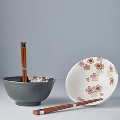 Bowl set with chopsticks Cherry Blossom - Made In Japan Europe Flower Ornaments, Chopsticks, Black Box, Ceramic Bowls, Bowl Set, Cherry Blossom, Dining Table, Europe, Shapes
