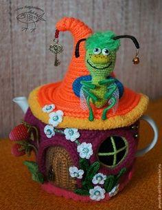 """Кухня ручной работы. Ярмарка Мастеров - ручная работа. Купить Грелка на чайник """"Букашкин домик"""". Handmade. Разноцветный, подарок женщине"""