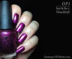 Suzi & the 7 Düsseldorfs. Really? I don't know what to think about this name haha. Anyway, it's a warm based purple shimmer that I love in the swatches but not so much on me. I'm a purple lover but this specific one is my purple nemesis LOL. Formula was nice but a little sheer. I used 2 careful coats but a third one might ne necessary.