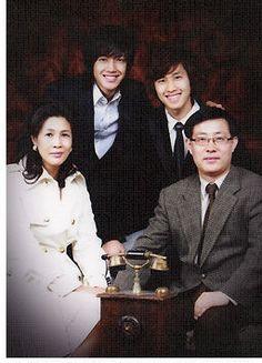 Kim Hyun Joong and family