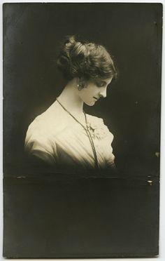 Untitled   Vintage photo postcard. Kodak Austral, produced by Jas. C. Cruden, 182 Pitt St, Sydney. No writing on the back.