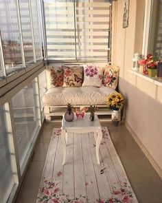 60 chic balcony decor ideas for every home - Balkon Deko Ideen - Balcony Furniture Design Apartment Balcony Decorating, Apartment Chic, Apartment Balconies, Small Balcony Design, Small Balcony Decor, Balcony Ideas, Small Balcony Furniture, Tiny Balcony, Outdoor Balcony