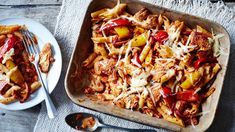 Everyone loves a fajita, but we've removed the wraps and given it a pasta twist – great for dinner and even better cold for lunch Fajita Pasta Recipe, Pasta Recipes, Chicken Recipes, Dinner Recipes, Cooking Recipes, Healthy Recipes, Recipe Chicken, Yummy Recipes, Sainsburys Recipes