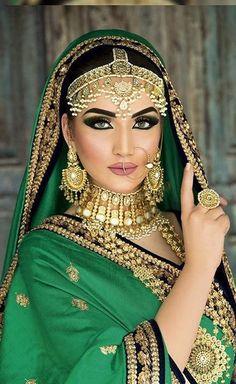 68 Ideas makeup looks indian pakistani bridal Mode Bollywood, Bollywood Fashion, Bollywood Wedding, Wedding Hijab, Wedding Makeup, Indian Bridal Makeup, Asian Bridal, Lehenga, Saree
