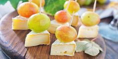 10 Great Appetizer and Cocktail Pairings For Your Wedding Reception