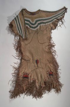Woman's dress (Blood/Kainai), acquisition 1952.