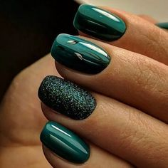 For women, other body parts that are often beautified are nails. Usually, they do nail care and color it with nail polish with various attractive designs. Even for nail art lovers, they can replace… Fancy Nails, Trendy Nails, Cute Nails, My Nails, Green Nail Designs, Nail Art Designs, Nails Design, Fall Toe Nail Designs, Design Design