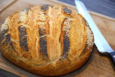 Her får du min opskrift på franskbrød i gryde, hvor du nemt kan bage et lækkert og luftigt franskbrød i din stegegryde, og brødet har en super sprød skorpe.  Franskbrød i gryde er en genial måde