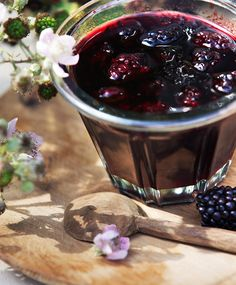 Brombærmarmelade Nutella, Scones, Blackberry, Red Wine, Alcoholic Drinks, Brunch, Food And Drink, Pudding, Homemade