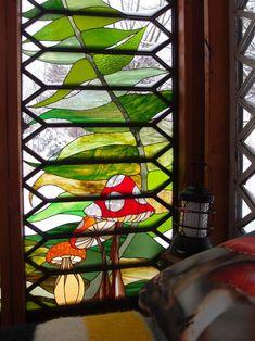 A Stained Glass Artist Creates A Mini Refuge – Design*Sponge Glass Cabin, Glass House, House Window Design, Stained Glass Crafts, Tiffany Glass, Stained Glass Panels, Glass Design, Mosaic Glass, Artist