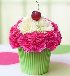 Cute centerpiece or candy table idea!