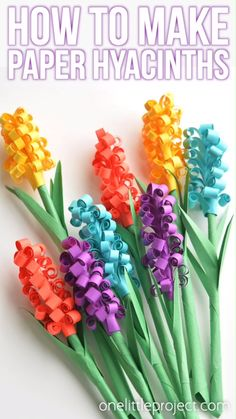 These paper hyacinth flowers are easy to put together and they make a gorgeous spring bouquet! They'd make beautiful decorations for a wedding or baby shower, or a beautiful centerpiece. This is a fun spring craft and a great way to add…Read Paper Flower Centerpieces, Easy Paper Flowers, Giant Paper Flowers, Paper Flower Tutorial, Diy Flowers, Spring Flowers, Spring Bouquet, Flower From Paper, Paper Flower Boquet