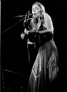 Joni Mitchell 1974 by ltheinert, via Flickr