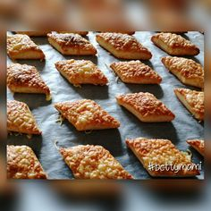 Small Cake, Garlic Bread, Scones, My Recipes, Pizza, French Toast, Bakery, Food And Drink, Snacks