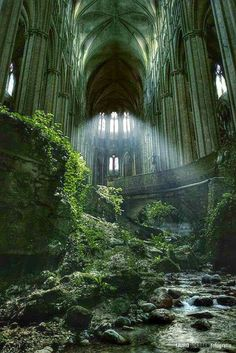 Green grass & nature has taken over this once beautiful abandoned church! - Jeimie Derolau - Green grass & nature has taken over this once beautiful abandoned church! Green grass & nature has taken over this once beautiful abandoned church! Abandoned Churches, Abandoned Mansions, Abandoned Places, Abandoned Library, Beautiful World, Beautiful Places, Slytherin Aesthetic, Fantasy Landscape, Belle Photo