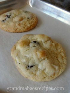 CHEWY COOKIES - taste like a Gourmet Bakery (white chocolate, craisins and macadamia nuts) but you won't believe how EASY these are to make!
