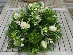 Gaia - bloemdesign met hart en ziel - Photo Gallery/ Biedermeier rouwstuk met o.a. rozen, astilbe, phlox, dianthus en alstroemeria