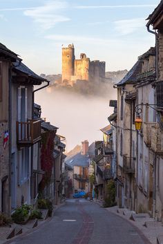 The road to Najac castle