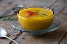 Sopa raw antioxidante de calabaza y coco