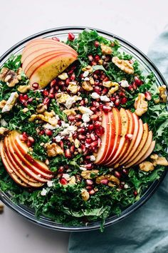 Pomegranate Harvest Salad – A Simple Palate - The most amazing fall salad that is full of greens, apples, pomegranate seeds, and nuts. This healt -Apple Pomegranate Harvest Salad – A Simple Palate - The most amazing fall sala. Easy Holiday Recipes, Fall Recipes, Dinner Recipes, Healthy Recipes, Avocado Recipes, Dessert Recipes, Thanksgiving Table, Salad Toppings, Food Recipes